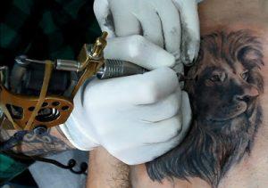 Inchiostro tatuaggi cosa contiene