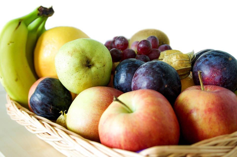 Mangiare la frutta dopo i pasti fa ingrassare